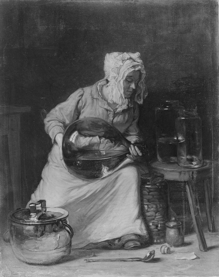 kobieta marynujaca korniszony